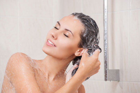 10-Surprising-Facts-About-Dry-Scalp-&-Dandruff-Photo3