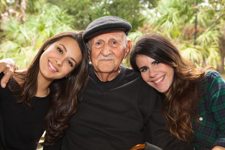 Coping-with-Dementia-Stages-or-Alzheimer's-in-Older-Parents-MainPhoto