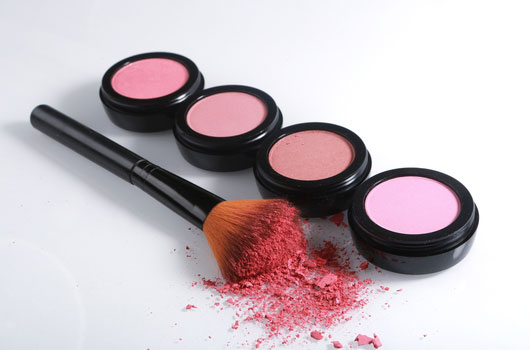 Key-Tips-on-Choosing-the-Right-Blush-Color-for-Your-Skin-Photo05