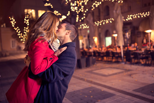 Different-Types-of-Kissing-and-Your-Zodiac-Sign-Photo8