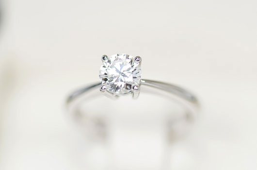 how-to-prime-your-so-for-the-best-engagement-rings-photo01
