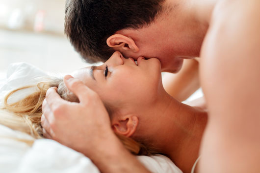 Is-Your-Long-Term-Relationship-Killing-Your-Sex-Life-Photo2