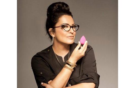 13-Latina-Women-Who-Crush-the-Girl-Boss-Game-Photo10
