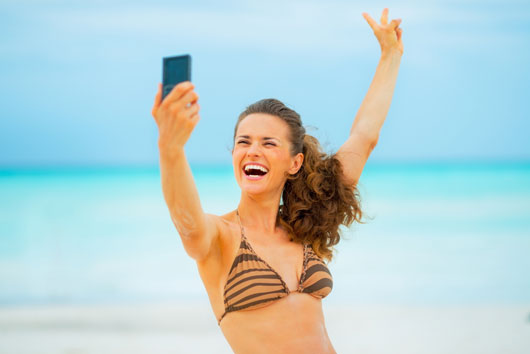 9-Things-to-Think-About-Before-You-Post-Those-Swimsuit-Selfies-Photo0