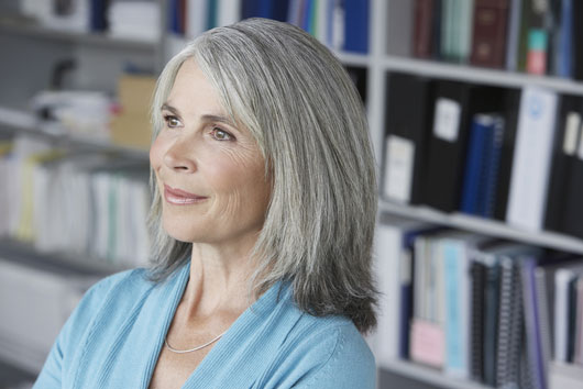 When-Should-You-Let-Your-Hair-Go-Gray-Photo6