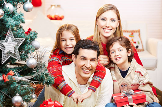 the-new-navidad-7-ways-to-improve-your-familys-holiday-card-photo4